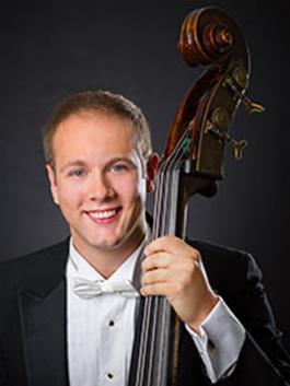 Max Zeugner, bass