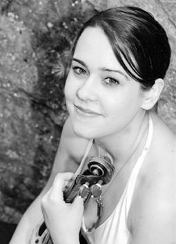 Gabriela Diaz, violin
